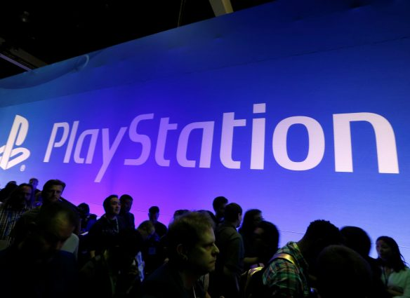 People line up to play Sony PlayStation games at the E3 Electronic Expo in Los Angeles, California, U.S. June 14, 2016. REUTERS/Lucy Nicholson